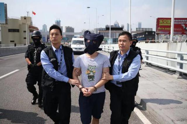 香港元朗持刀行凶案犯罪嫌疑人今被移交香港警方