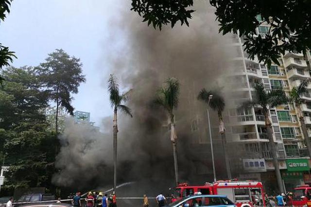 龙岗布吉荣华路一汽车轮胎店发生火灾 致4人死亡