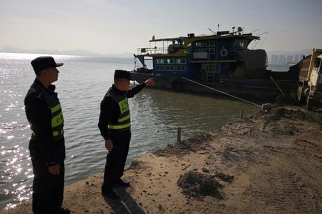 深港警方破获偷渡案 抓获嫌犯13名、越南偷渡人员58名