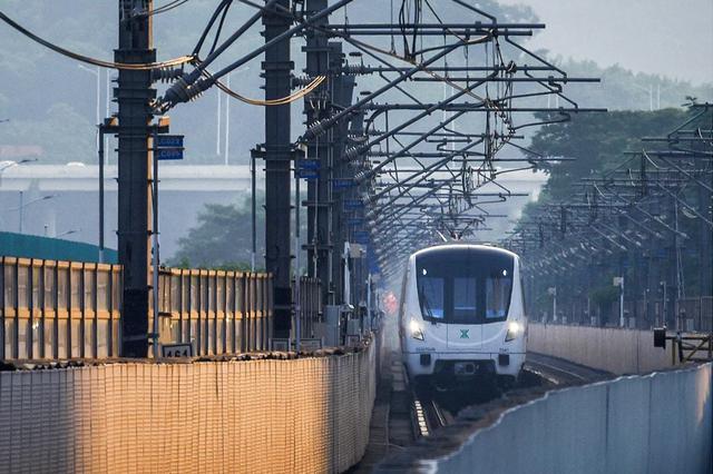 方便市民端午期间出行 地铁延长运营时间