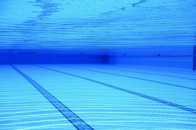 深圳抽检301家游泳场所 这31家游泳场所水质不合格