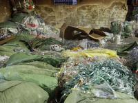 海关截获走私废塑料4.1万余吨