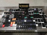 旅客携102部废旧手机入境被查