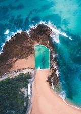 航拍悉尼海滨露天浴池 成独特风景线