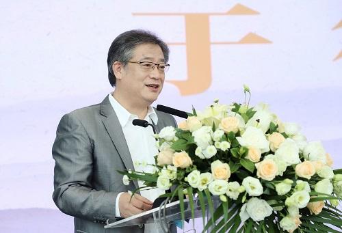深圳广播电影电视集团副总编辑、深圳文化产权交易所董事长于德江