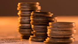 18%青年人经常遭遇钱荒