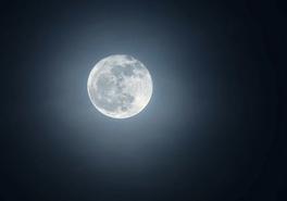 大圆月现身深圳