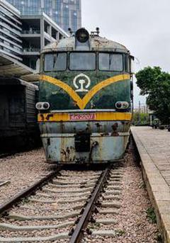 深圳有一个绿皮火车怀旧车站
