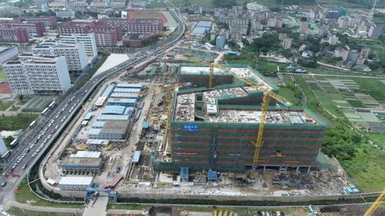 深圳技术大学健康与环境工程学院楼封顶 部分楼栋年底前交付