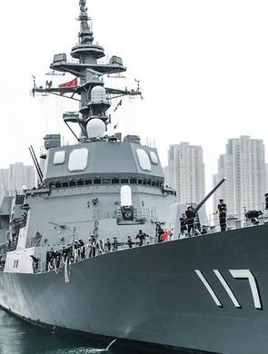 11国海军16艘舰艇同日抵达青岛