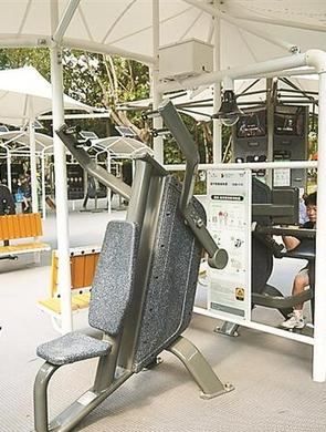 大沙河公园引入智能健身设备