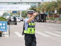深圳交警今起提前启动春运执勤服务点