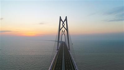 港珠澳大桥是世界最长的跨海大桥。 广州日报全媒体记者卢政摄