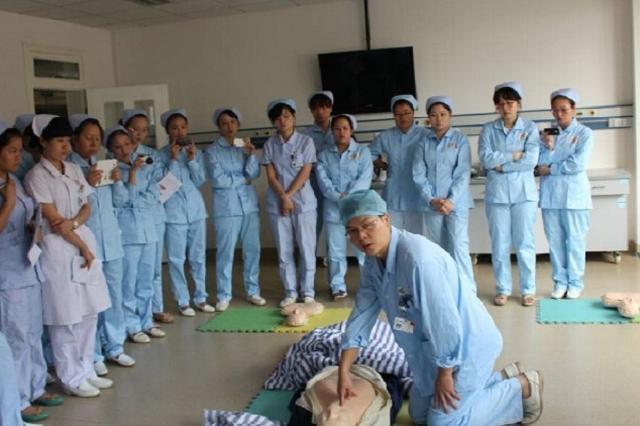深圳建成91家全科医学社区培训基地 逾400万居民签约服务