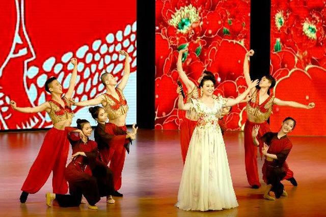 传承中国传统音乐文化 深圳上演传统民歌音乐盛宴