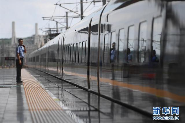 深圳火车站21趟临客列车明日将全部开行