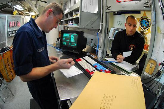 资料图片:美海军邮政部门。(图片来源于网络)