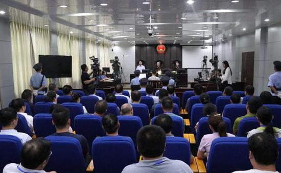 庭审现场。 微博@栾川县人民法院 图