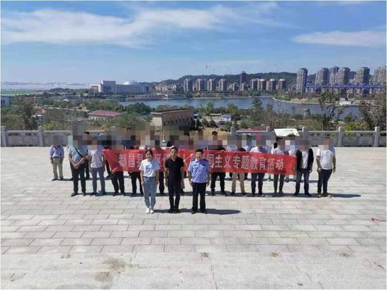 都昌县局组织社区服刑人员开展爱国主义教育