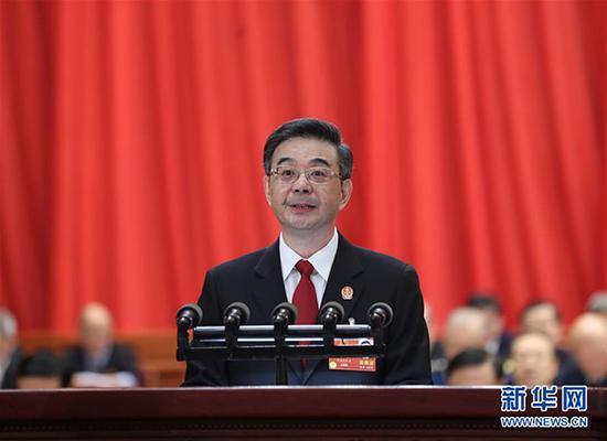 3月9日,十三届全国人大一次会议在北京人民大会堂举行第二次全体会议。最高人民法院院长周强作最高人民法院工作报告。 新华社 图