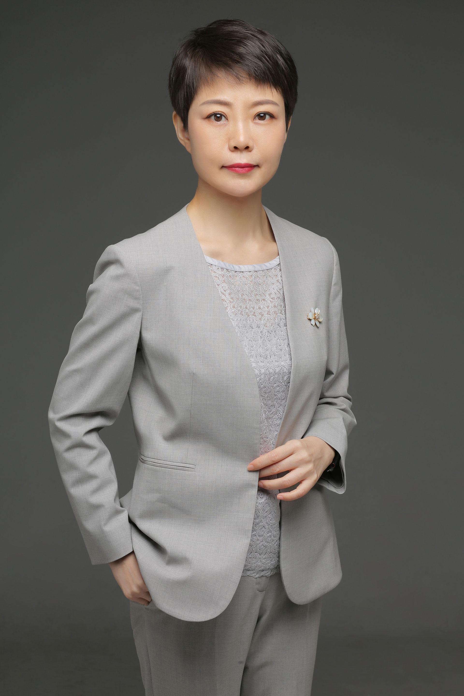 王芳 第一创业证券股份有限公司总裁、董事