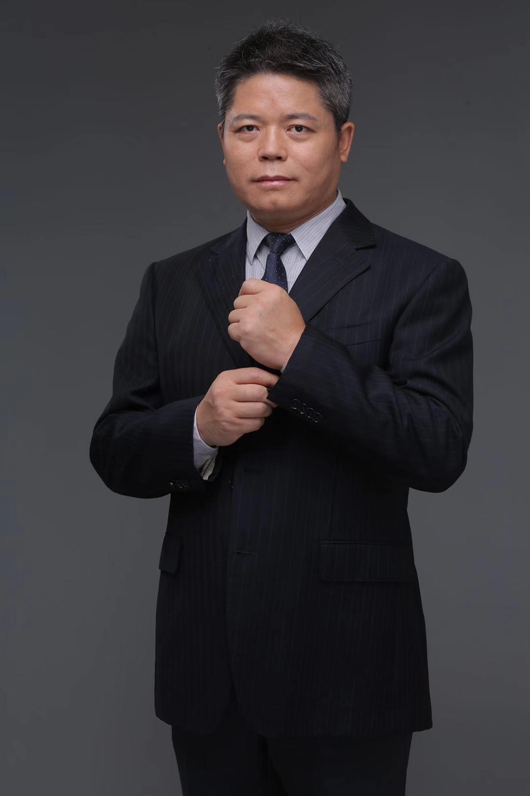 尹占华 第一创业证券股份有限公司副总裁