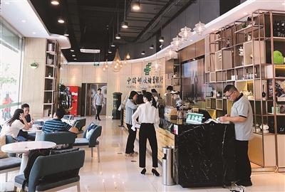 邮储银行加速推进新零售转型,驶入高质量发展快车道。