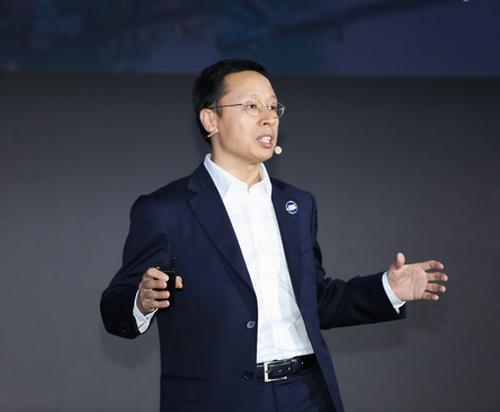 """华为发布园区光终端 """"华为星光天速""""和新一代Liquid OTN光传送平台——全面升级智简全光网,加速行业数字化转型"""