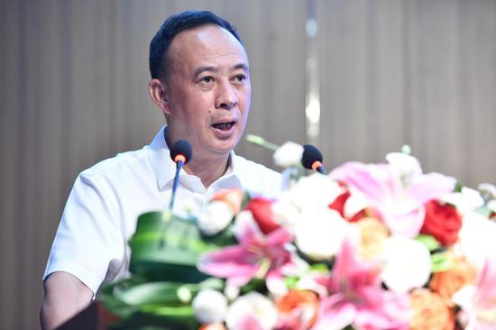 ▲郎酒集团董事长汪俊林现场致辞