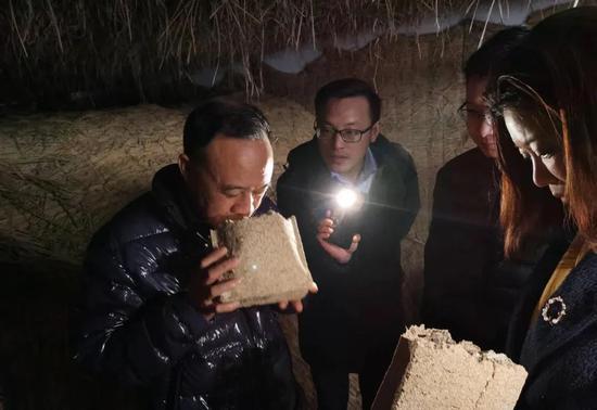 """汪俊林董事长开年首次调研深入车间,要求一切工作围绕""""酿好酒""""开展,严把质量关"""