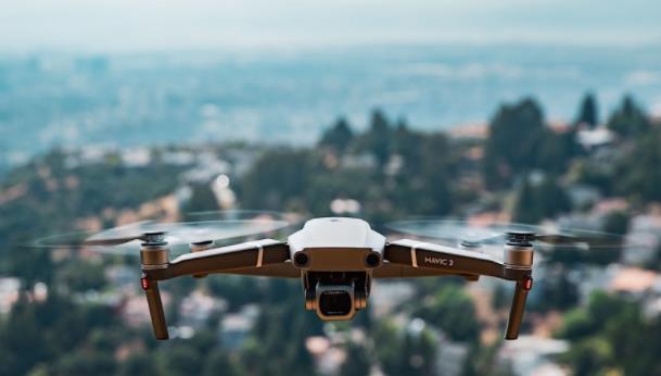 大疆将直升机探测警报功能应用到更多消费级无人机