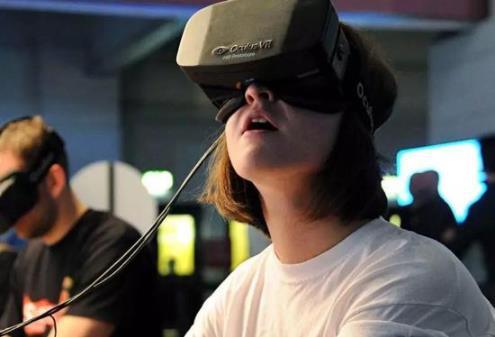 线下VR店主:因为疫情经济损失很致命 但和生命比起来微不足道