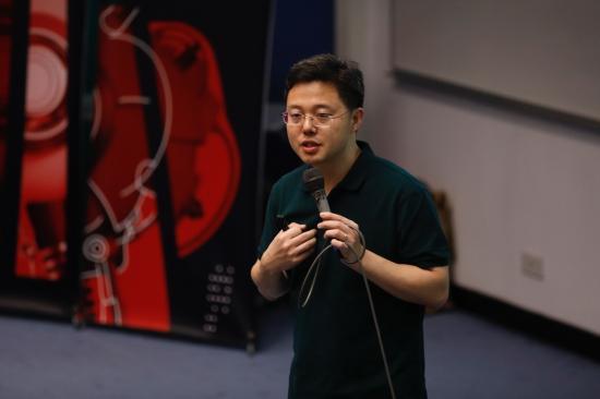 """百度副总裁沈抖现身香港科技大学 """"五度""""呼唤AI人才"""