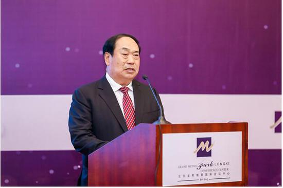 世界职业斯诺克协会首席顾问、星牌集团董事长甘连舫致辞
