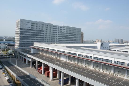 丰修在北京、上海、广州、深圳、武汉、成都、香港自建售后维修中心