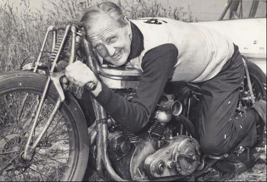 致敬传奇赛车手 伯特·门罗(Burt Munro)