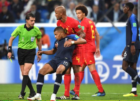 优酷世界杯直播白岩松再爆金句:法国配,姆巴你也配?