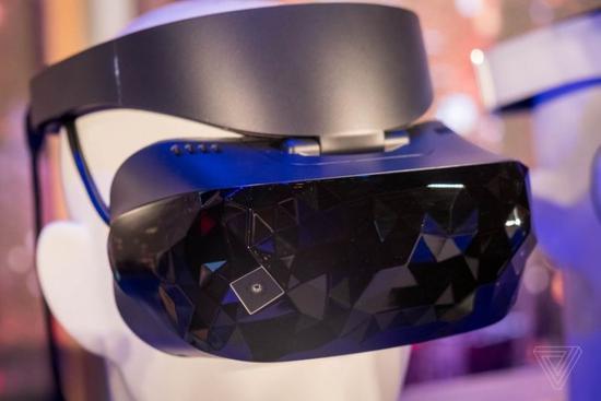 <b>微软公布Windows Mixed Reality头盔更多细节</b>