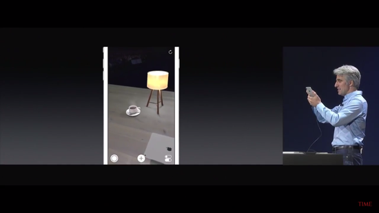 <b>WWDC17:苹果深入AR领域,推出ARKit开发者平台</b>