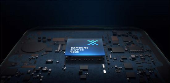 三星公布全球首款7nm EUV芯片Exynos 9825 性能提升20-30%