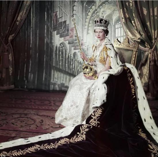 英国女王座驾宾利,改装摩雷汽车音响