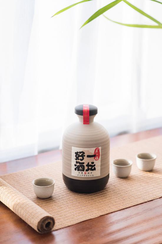 吴向东走质优价宜路线,精益求精酿制一坛好酒