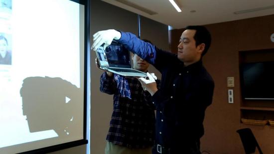 图BUY++ 购物DAPP识别《创业时代》电视剧中演员服装。