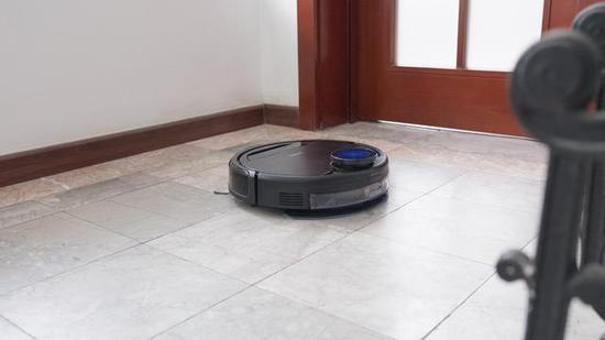 AI引领智慧生活,科沃斯DG70扫地机器人体验