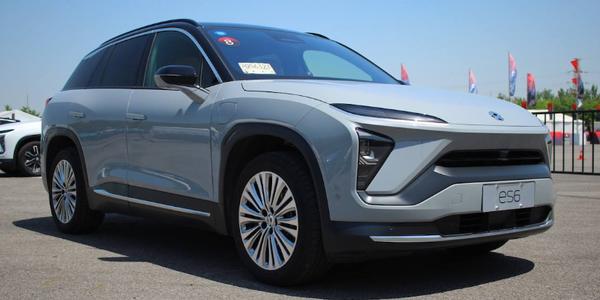 我们的第一篇新能源汽车试驾文章,就写给蔚来ES6吧