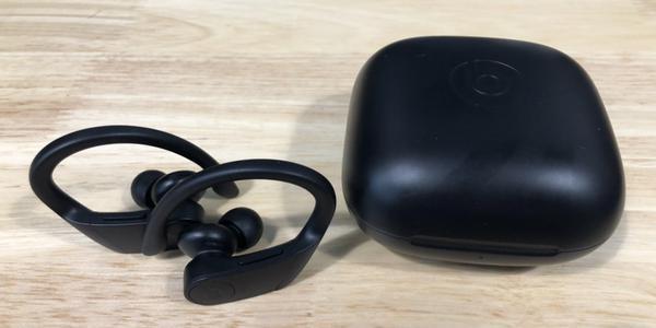 新浪VR值选:搭配苹果H1芯片的Powerbeats Pro