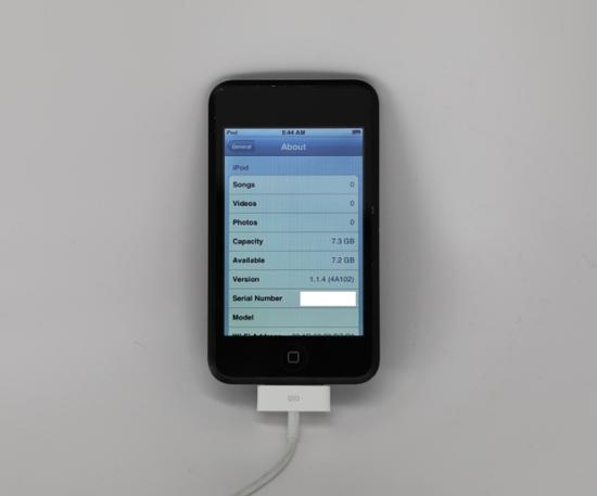 """初代iPod touch原型机""""谍照"""":采用Mac Pro同款亮面黑色工艺"""