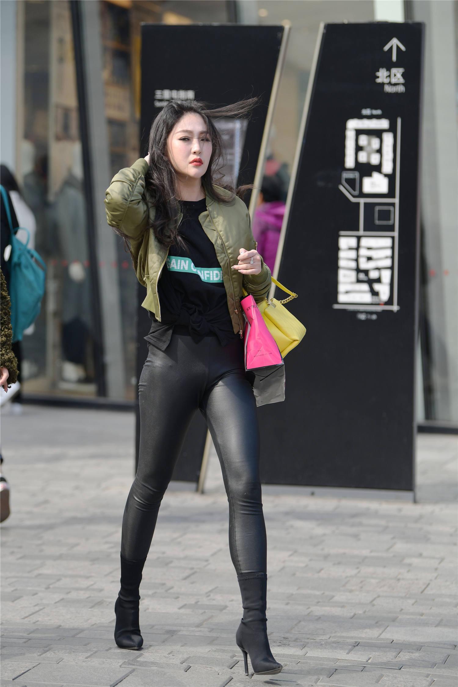 春季的高跟短靴,选择粗跟还是细跟款式,高度要多高更好看?