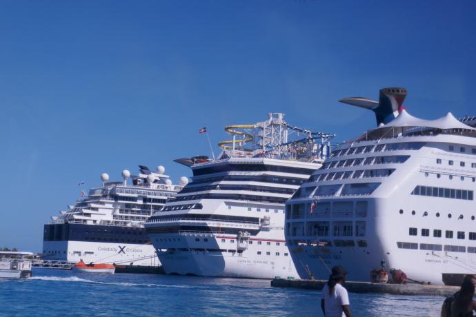 环游加勒比(2)拿骚的邮轮码头