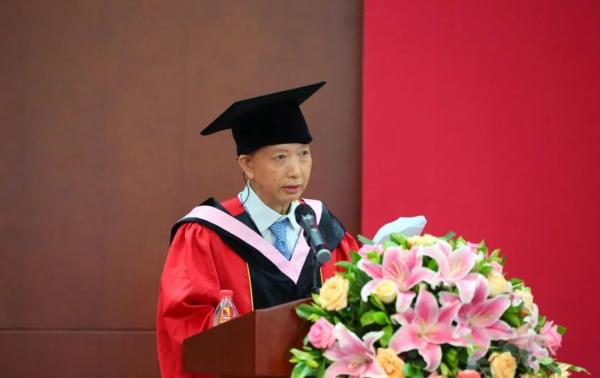 毕业致辞 北大中文系主任陈晓明:中文人的精神和担当